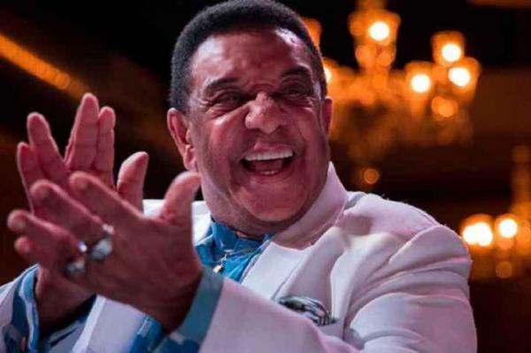 Morre cantor Agnaldo Timóteo vítima do coronavírus