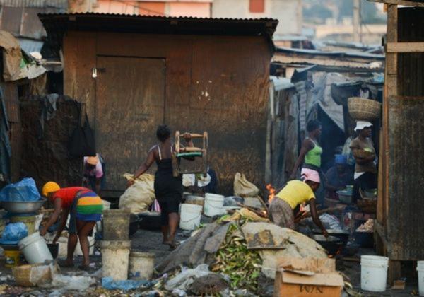 Pandemia fez triplicar o número de brasileiros que vivem abaixo da linha da pobreza