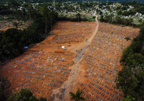 Brasil teria evitado ao menos 5.000 mortes com oferta inicial da Pfizer, diz pesquisador