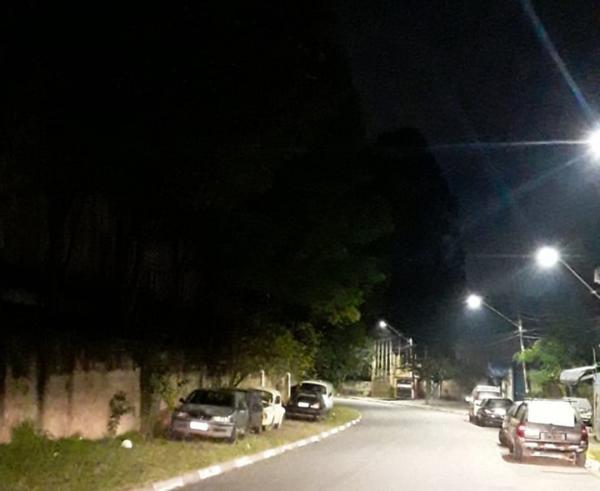 Novos pontos de Cotia ganham iluminação pública com lâmpadas de LED