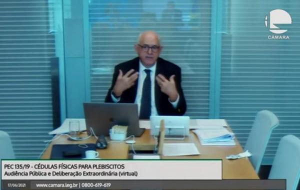 Jobim defende aprimoramento do voto eletrônico e lembra histórico de fraudes com apuração manual