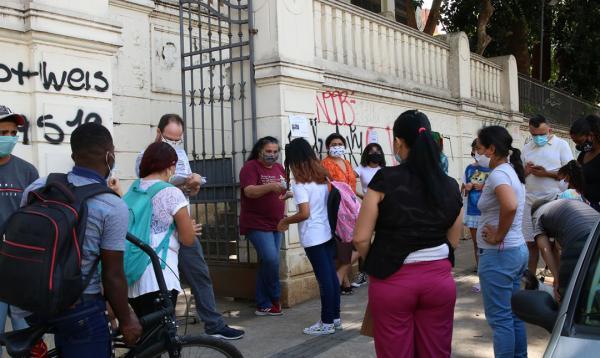 Aulas presenciais em escolas e universidades recomeçam em agosto no estado de São Paulo