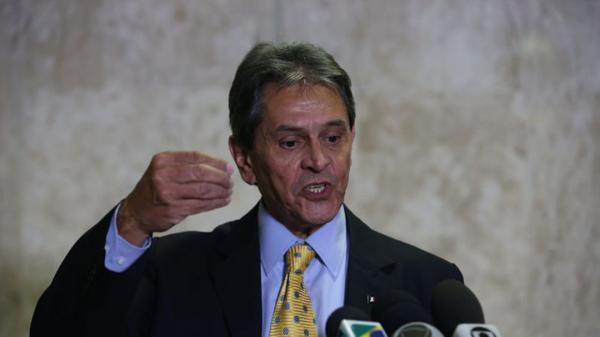 PF prende o ex-deputado Roberto Jefferson