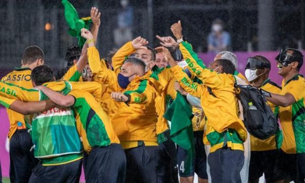 Seleção brasileira de futebol de 5 é pentacampeã em Tóquio