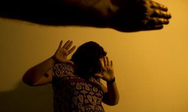 Atendimento a mulheres vítimas de violência doméstica é serviço essencial, define lei