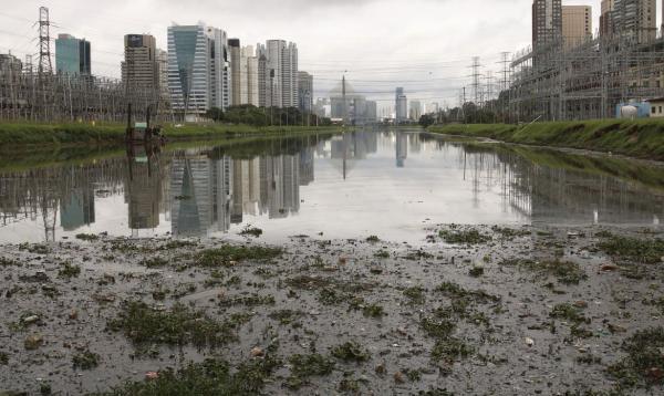 Novas obras de saneamento básico no rio Pinheiros vão beneficiar quase 500 mil pessoas e gerar 3,7 mil empregos