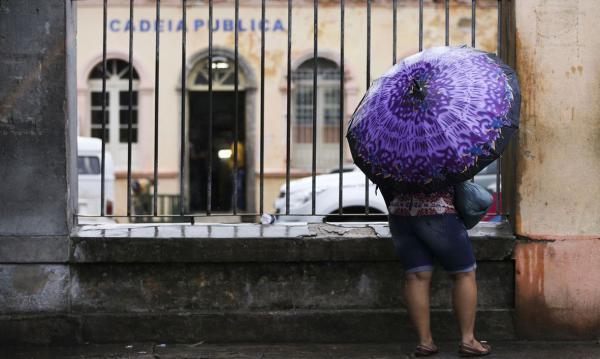 Quase 70% de famílias de presos estão sem notícias em São Paulo