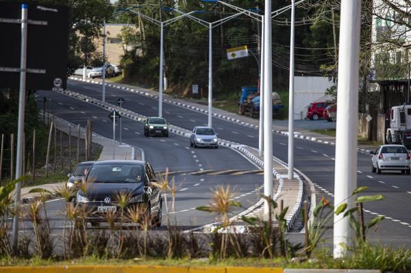 Duplicação da estrada de Caucaia do Alto é concluída