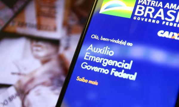 Caixa paga auxílio emergencial para 5,9 milhões de beneficiários