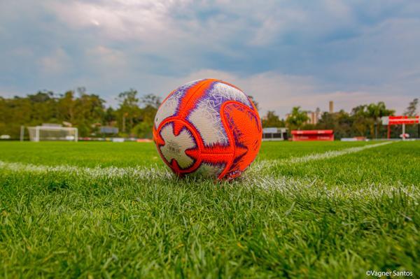Domingo (3/11) é dia de semifinal do Campeonato Super Master de Futebol