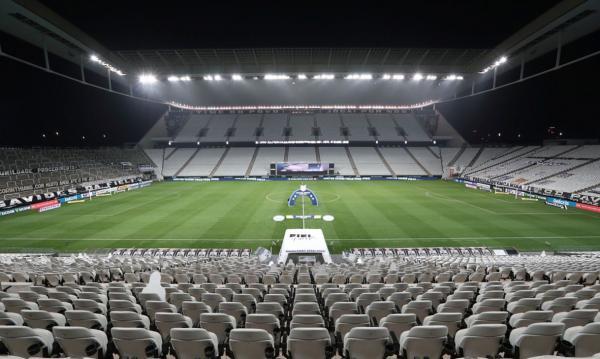 Com um ponto de diferença na tabela, Corinthians recebe Botafogo em SP