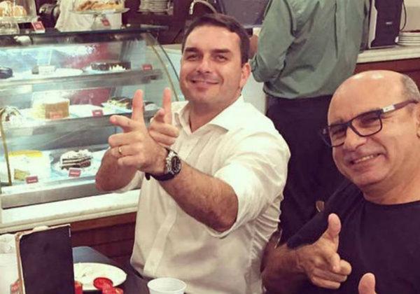 Flávio Bolsonaro e Queiroz são denunciados por peculato, lavagem de dinheiro e organização criminosa