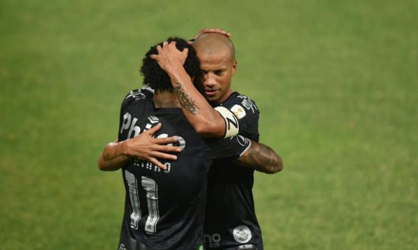 Santos vence Olímpia e se classifica para oitavas
