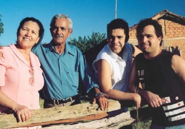Francisco Camargo, pai de Zezé di Camargo e Luciano, morre aos 83 anos