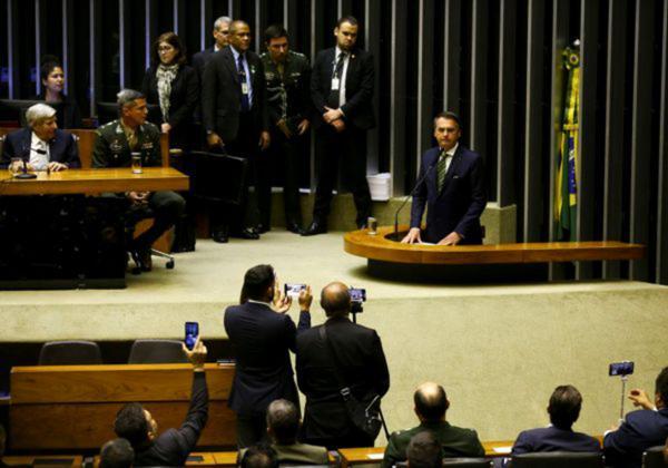 Parlamentares bolsonaristas lideram posts com desinformações no Twitter