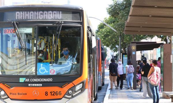 TJ suspende retorno da gratuidade em transporte público de SP